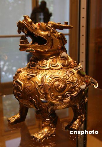 图:乾隆铜兽巴黎佳士得拍出23.6万欧元
