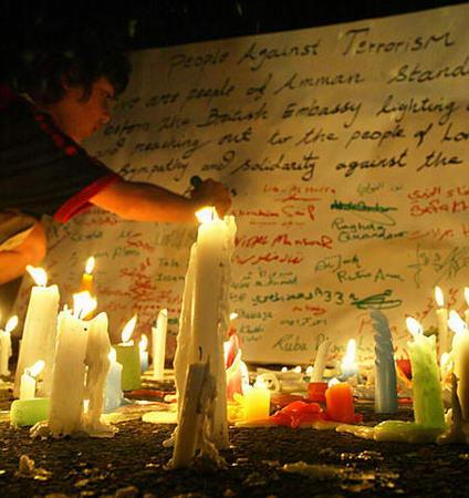 组图:约旦公民悼念遇难英国公民