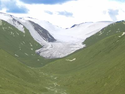 新疆阿勒泰吉木乃县将举办首届冰山艺术节