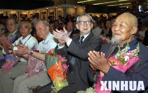 永志不忘:香港纪念中国抗战胜利60周年展览侧记