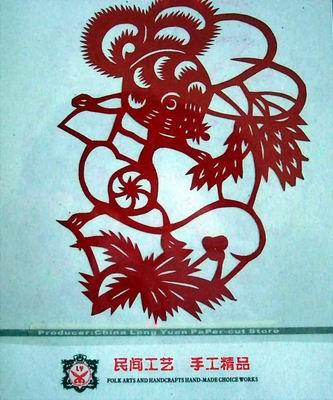 剪纸图案多取材于人物,动物,场景,喜庆节令,五谷丰登,民间戏曲