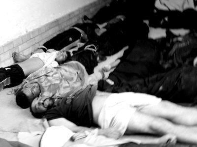 医院里堆满遇难者尸体