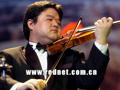 (小提琴独奏《思乡曲》);