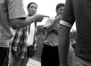 福建43名学生顶着大风在海边游玩7人失踪(组图)