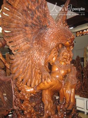 印尼纪行之二:闻名遐迩的巴厘岛木雕