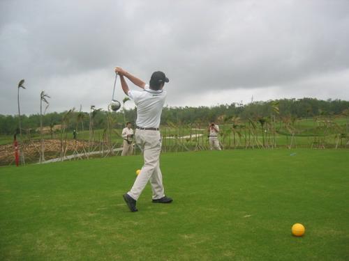 高尔夫中巡赛决赛今日康乐园开赛