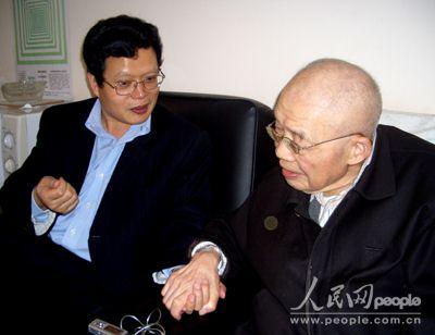 经济观察家:张培刚说中国经济到了关键时刻