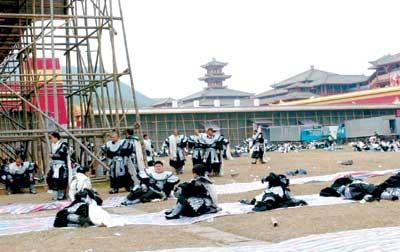 北京两会视点:群众演员待遇谁来保障