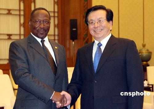 """多米尼克总统称坚持一个中国政策反对""""台独"""""""