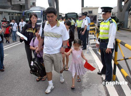 香港舆论高度评价中国政府包机从所罗门撤侨