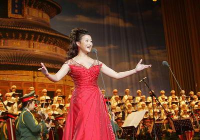 4月29日,《大地飞歌》大型交响合唱独唱音乐会在北京举行.