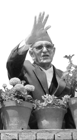 尼泊尔85岁老人五度拜相成为年纪最大政府首脑