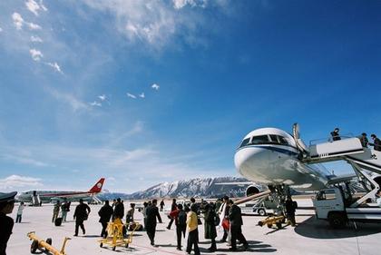 四川九黄机场停航扩建京沪航班将可直飞九寨沟