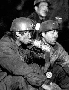 左云矿难恶劣瞒报57名矿工生死未卜