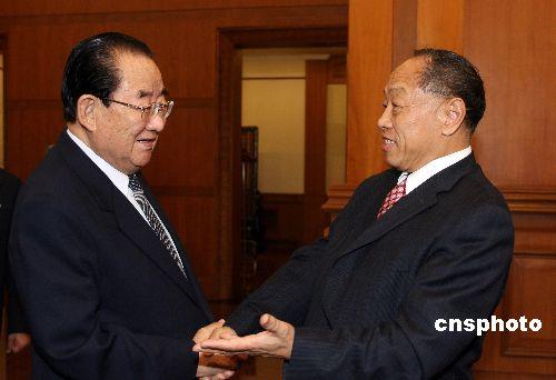 朝鲜外务相白南舜分别与温家宝李肇星会晤