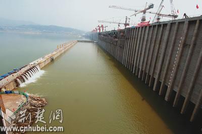 三峡大坝围堰六日爆破准备工作进入倒计时(图)