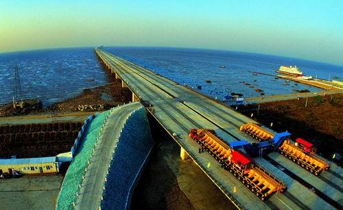 杭州湾跨海大桥正加紧建设