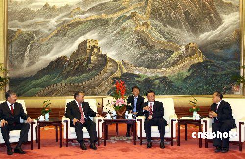 中国吉尔吉斯发表联合声明共同打击东突