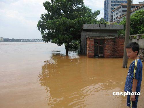湖南防汛重点转向湘江下游长株潭200万人上大堤