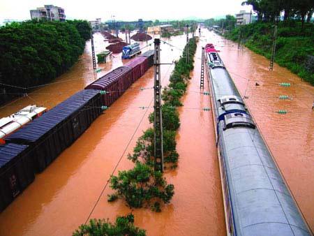 京广线全面恢复通车受水害影响列车达274列