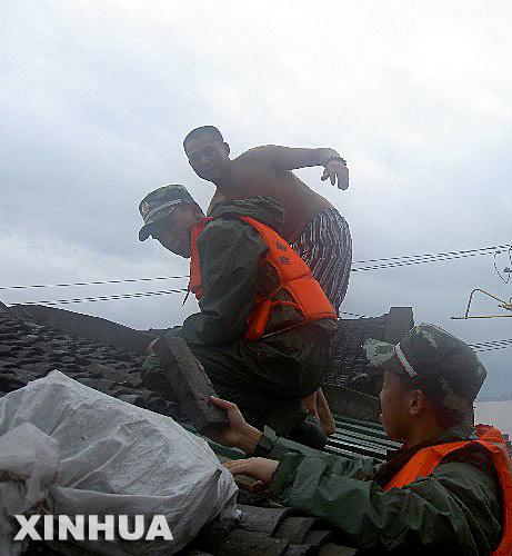 中央防汛抗旱救灾纪实:在天气灾害考验面前