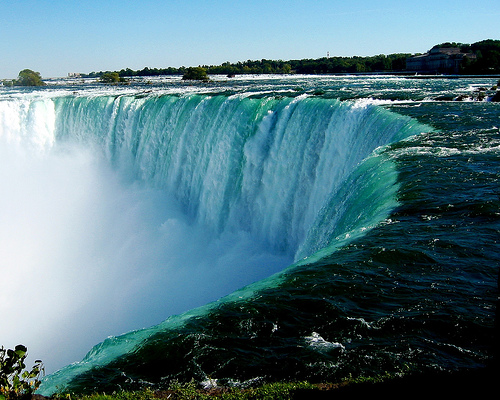 尼亚加拉大瀑布图片_尼亚加拉瀑布摄影图__自然风景_自然景观_摄