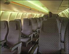 资料图片:CRJ-100型客机内部结构