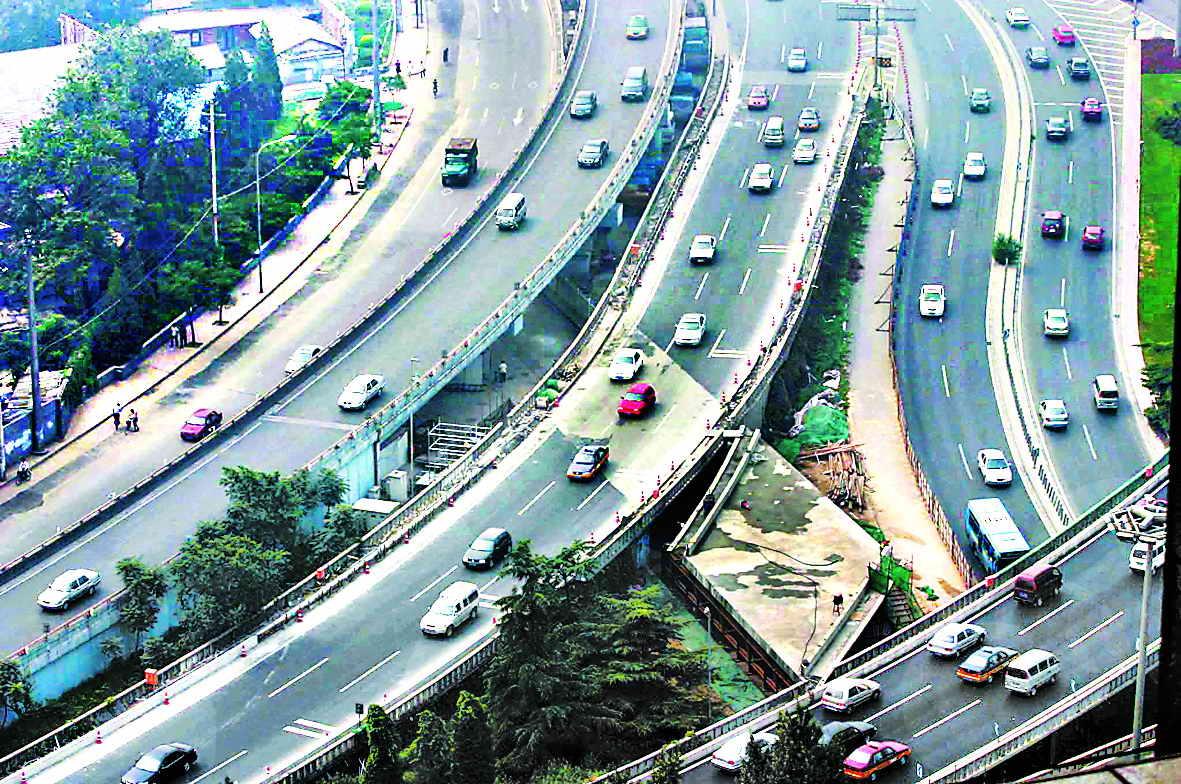 西直门桥8日进行 移植手术 将56小时断路施工