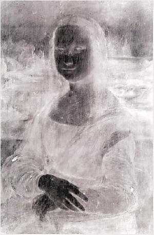 红外扫描显示画中人穿着薄纱-蒙娜丽莎 刚生完孩子