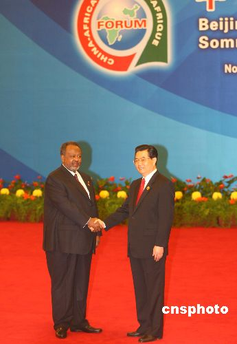 图文:胡锦涛迎接吉布提总统盖莱