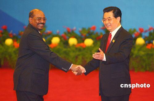 图文:胡锦涛迎接苏丹总统巴希尔