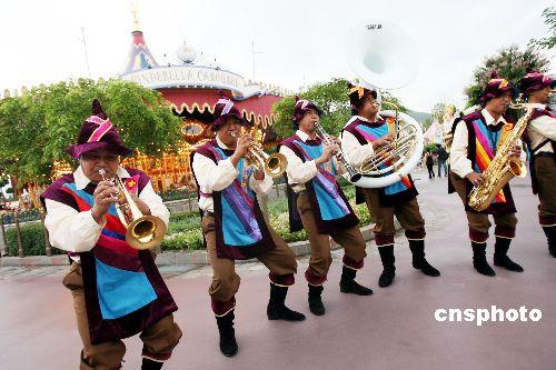 香港迪斯尼乐园公布春节期间将限定最大游园人数