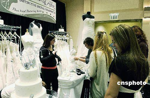 图:美国北加州举办婚纱展示