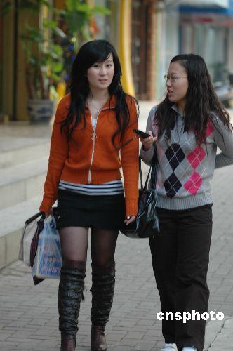广西南宁市街头依然性感
