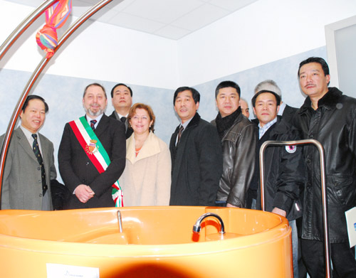 意华人社团向普拉托市医院捐约十万欧元医疗设备