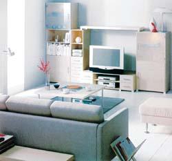 """变换大件家具摆放方式小客厅""""玩出""""大空间(图)"""
