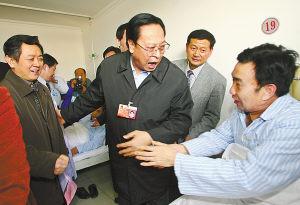 现场特写:河南外设定点医院惠及百万农民工