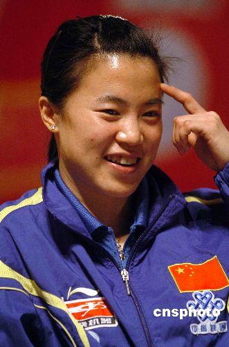 王楠在深圳出席奥运明星见面会