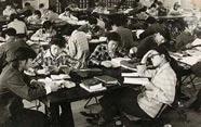 恢复高考后的首批大学生异常用功