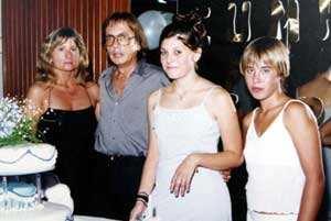右边的女孩就是娜塔丽娅-杀害亲生女儿 阿根廷夫妇被判无期徒刑 附图图片