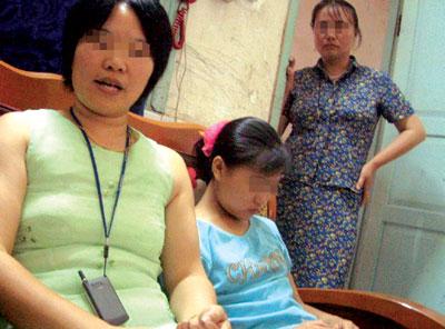 强暴幼女色情小�_12岁幼女被骗卖淫 不到一个星期嫖客却被保释