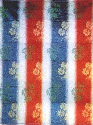 蜀锦兴起于汉代,早期以多重经丝起花(经锦)为主,唐代以后品种日趋丰富图片