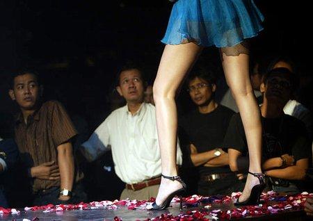 情趣:印尼时装秀上组图展示性感内衣和卖家卖家秀秀模特图片