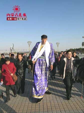 比姚明高12厘米的内蒙古一号牧民喜顺(组图)