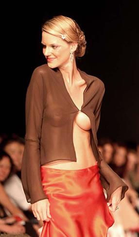 组图:哥伦比亚模特时装展领尽风骚