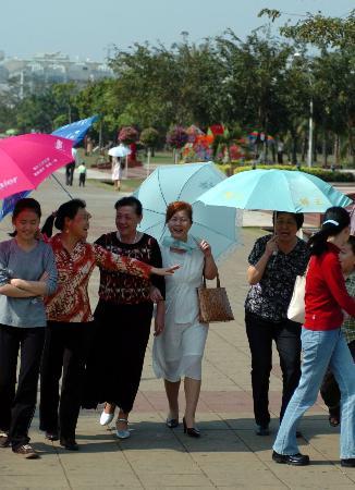 图文:[社会广角]海南今天最高气温达37℃