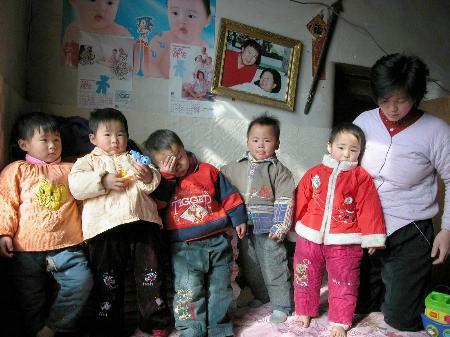 3月4日是五胞胎的3岁生日.现在,5个孩子身体健康,聪明可爱.