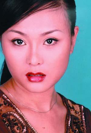中国第一人造美女又显肥胖将再做手术实施瘦脸