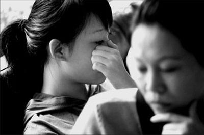 西安少女深圳见富妈遭拒门口苦等15个小时(图)