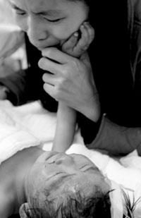 干幼女什么感觉_三撞火门 邻居救出两岁幼女